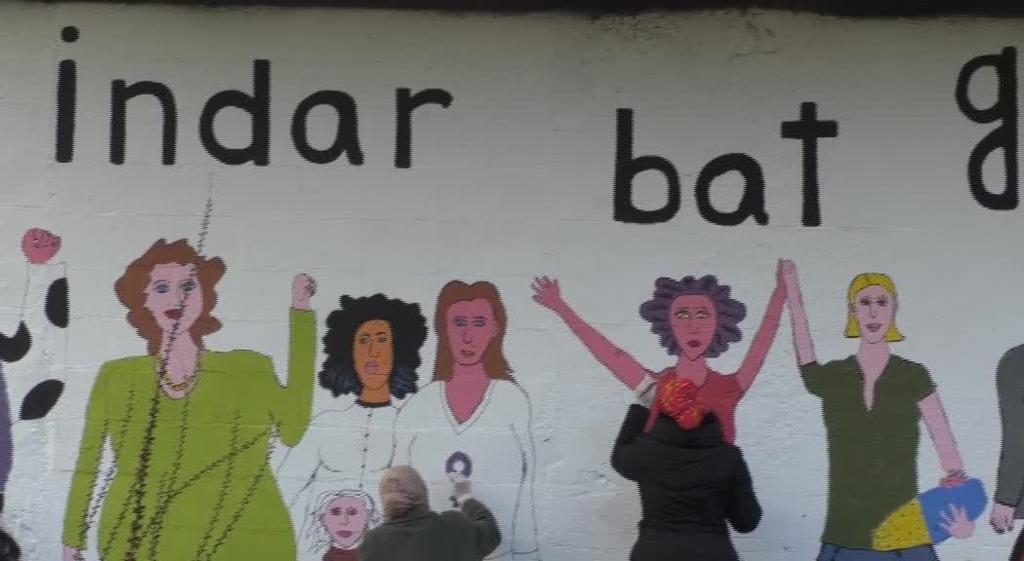 Murala margotu zuten indarkeria matxistaren aurka Legorretan