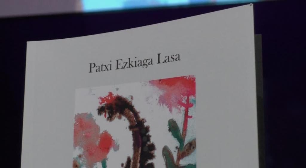 Blues bat bizitzari, Ezkiagaren antologia poetikoa aurkeztu dute