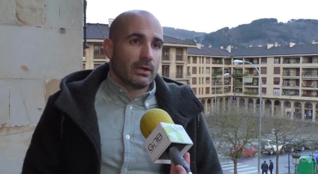 """Ezenarro: """"Udal Gobernuak berandu baina presaka aurkeztu du aurrekontu proposamena"""""""
