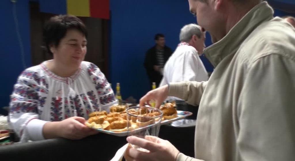 Jatorri ezberdinetako olaberritarrek euren gastronomia elkarbanatu zuten Herrialdeen Egunean
