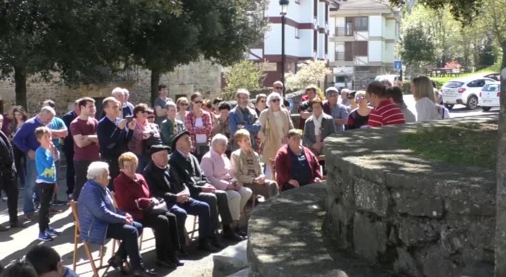 Herriko gobernantza sistemarako proposamena aurkeztu du herritar talde batek