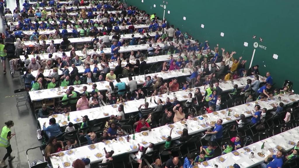 700 pertsona inguru elkartu dira Urdaneta eskolako festan