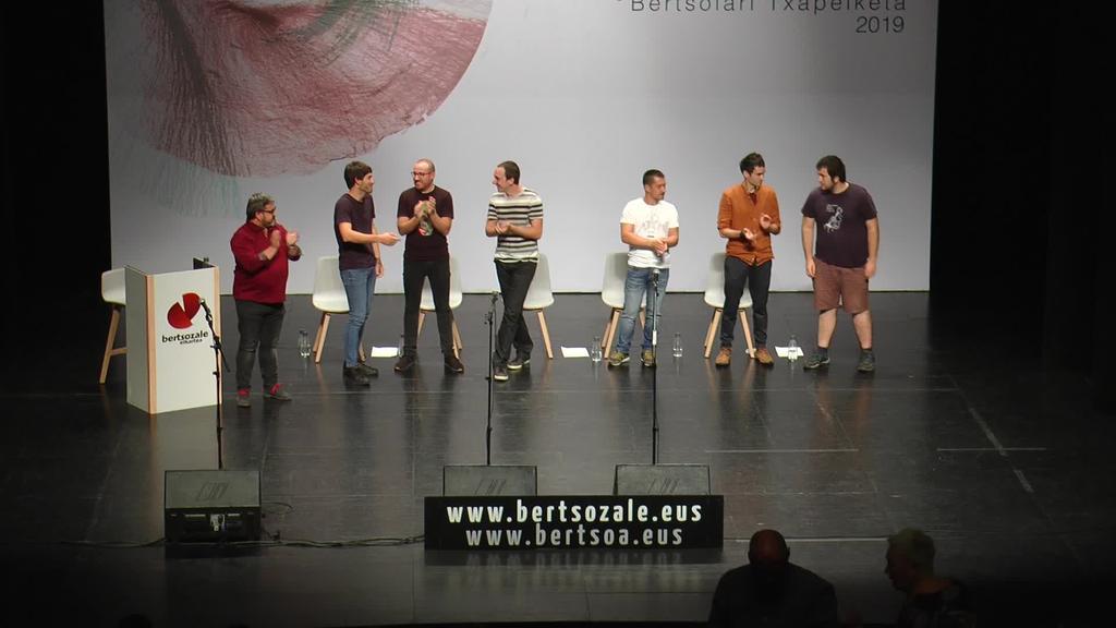 Gipuzkoako Bertsolari Txapelketako final-laurdenak martxan