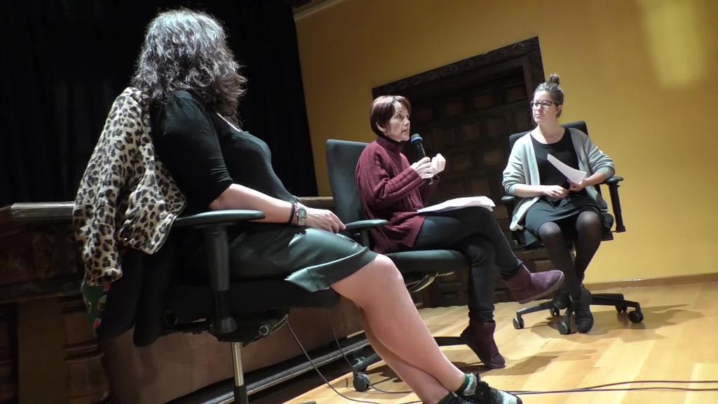 Feminismoa eta arrazakeriari buruz aritu ziren solasean Irantzu Varela eta Maya Amrae