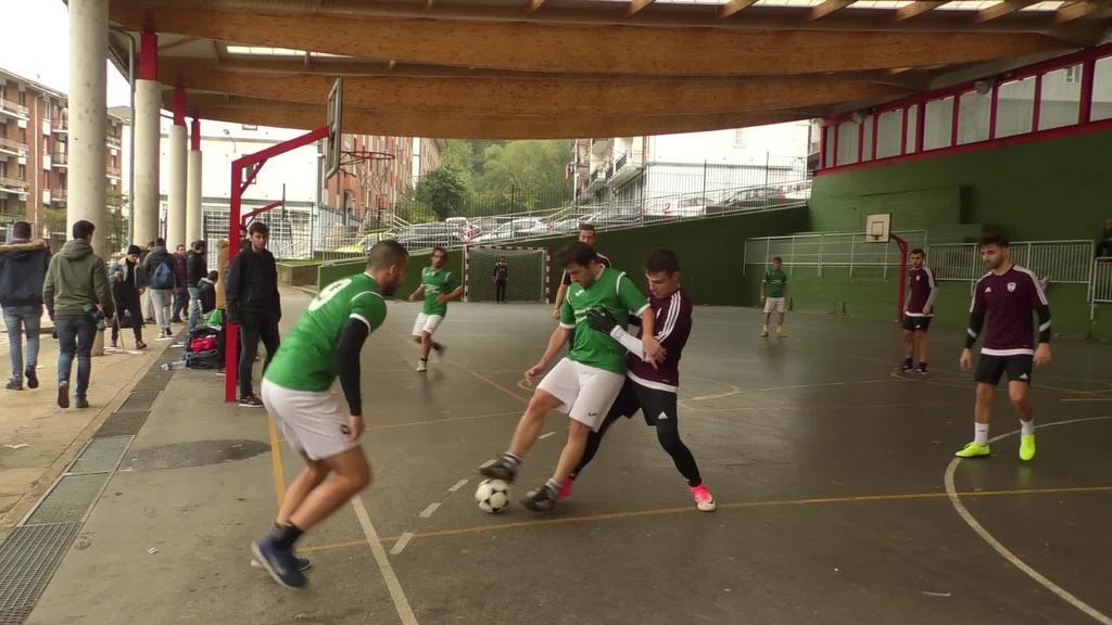 Eman diote hasiera Beasaingo Areto Futbol txapelketari