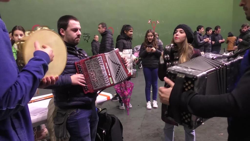 Musika eta gaztainekin ospatu zuten legorretarrek Santa Zezilia