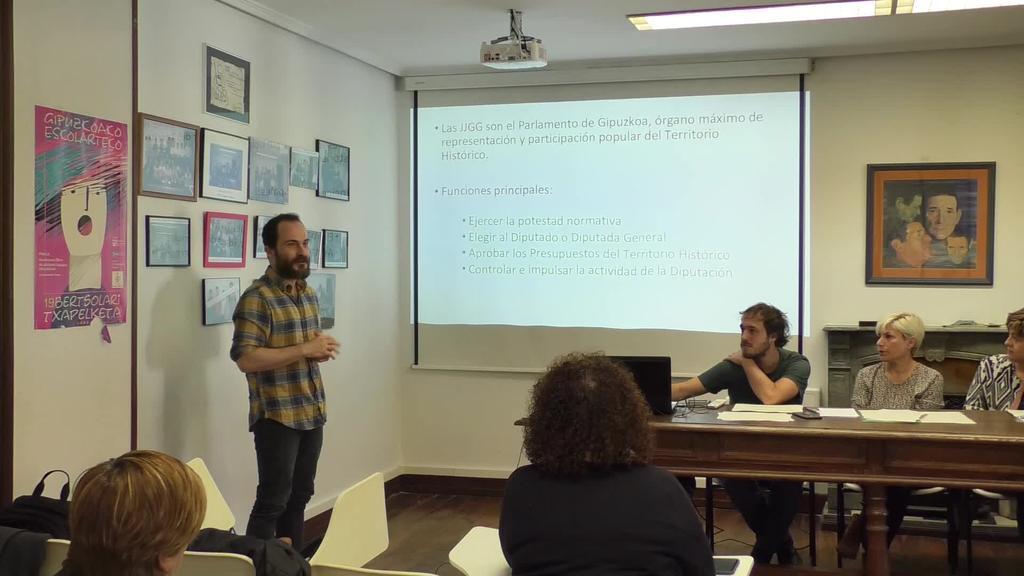 Gipuzkoako Podemos kontuak ematera etorri zen Ordiziara