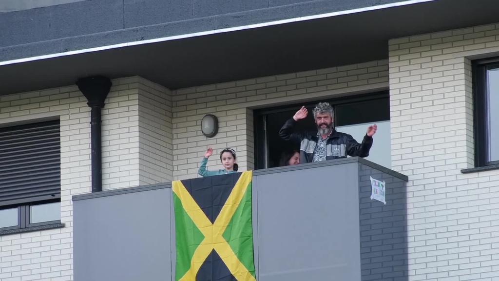 Ordizia Rock-eko arduradunen eskutik DJ Monkey Man-en emanaldia entzungai egon zen Ordiziako auzo ezberdinetan