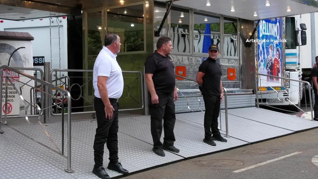 Salbatoren konfinatutako Il Circo Italianoko langile bat hil da istripu baten ondorioz