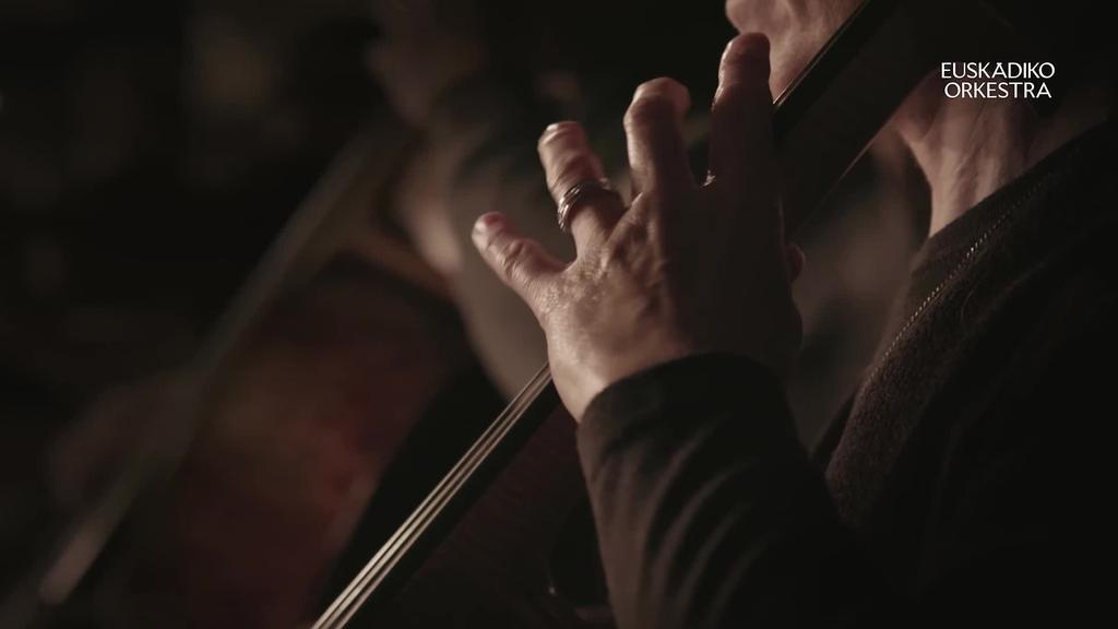 Huntza musika taldearen 'Olatu bat' abestiaren bertsioa egin du Euskadiko Orkestrak