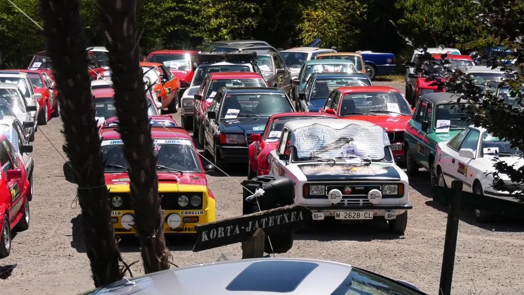 XVII. auto klasikoen rallya ospatu da