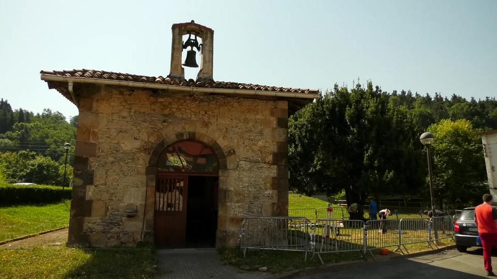 XII. mendean San Bartolome ingurua nolakoa zen ikertu nahi dute indusketa batekin