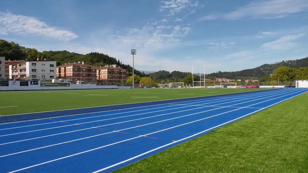 Ordiziako Altamirako atletismo pista berria Gipuzkoako erreferente bilakatu da
