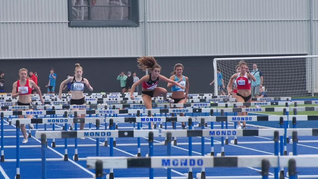Ordiziako Altamira atletismo pista berritua estreinatu zuten giro bikainean