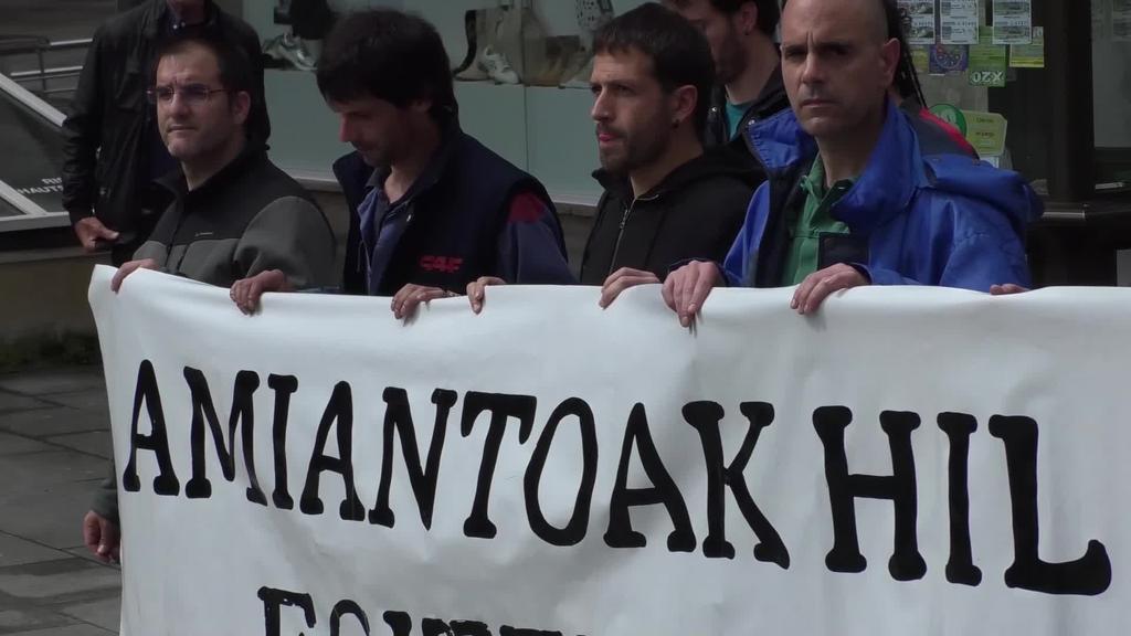 Celestino Tolosaren kasuari CAF-eko zuzendaritza taldeak emandako tratua salatu dute langileek