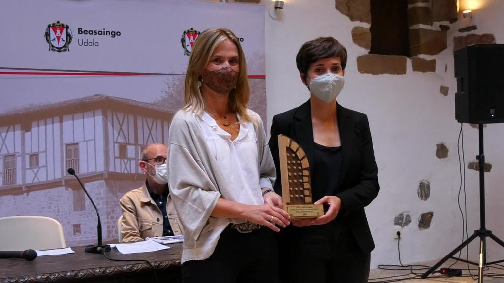 Olatz Mitxelenak irabazi du Igartza Literatura Beka