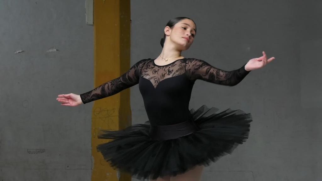 Ballet ikastaroak eskainiko dira Beasainen eta eskolaren aurkezpenean ikasleek ikuskizuna eskaini zuten