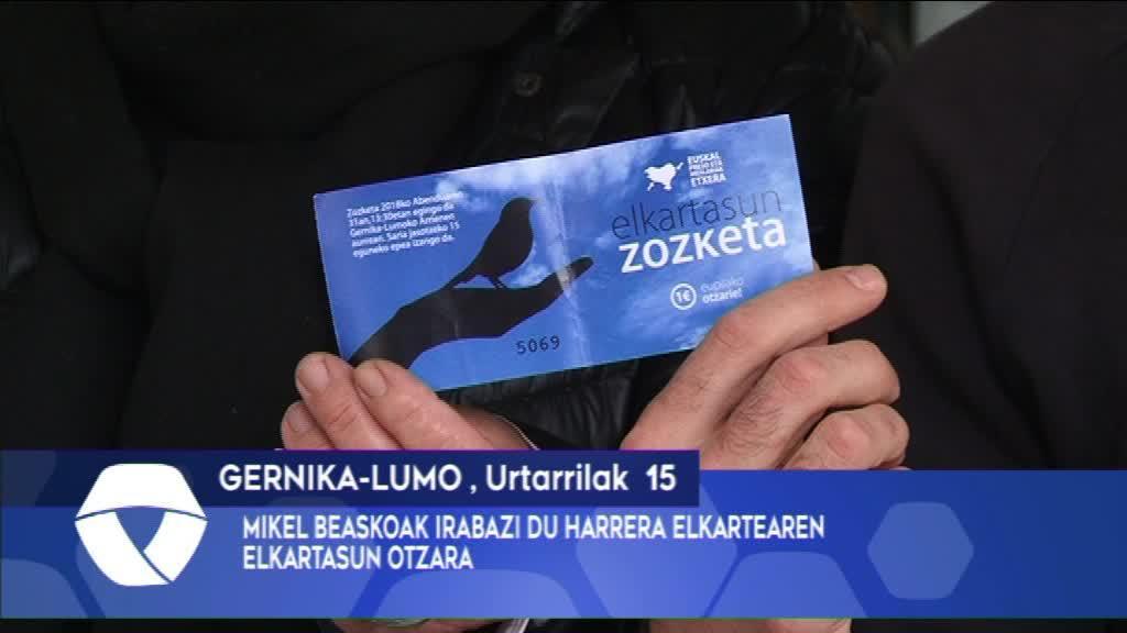 Mikel Beaskoak irabazi du Harrera elkartearen Elkartasun Otzara