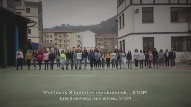 MERTZEDE IKASTETXEKO BIDEOKLIPA_ MARTXOAK 8 HONETAN EMAKUMEOK ... STOP!
