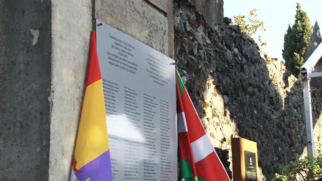 PRESONDEGI MILITARREKO HILDAKOAK OROITU DIRA GERNIKA-LUMON