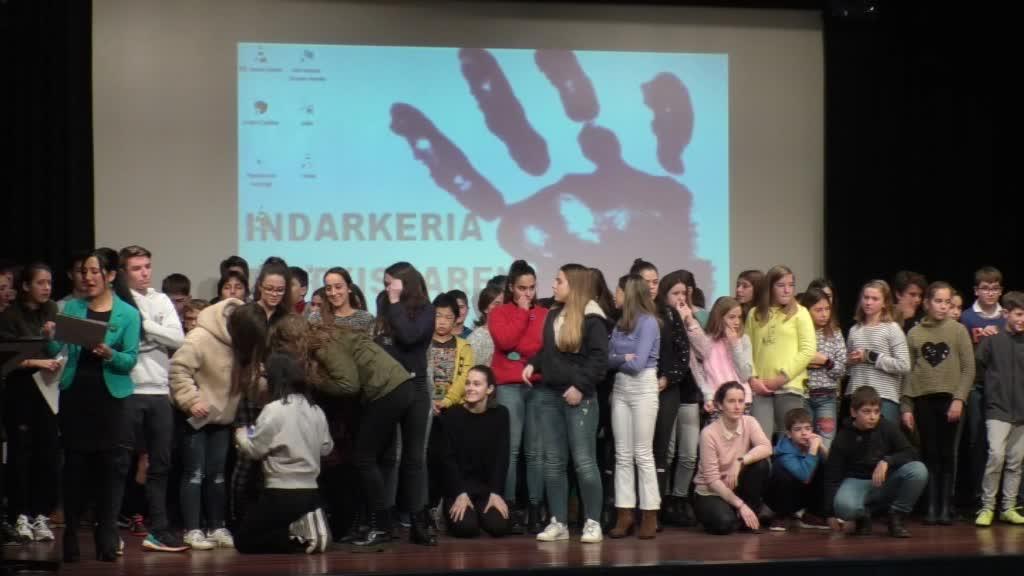 GERNIKA-LUMOKO BELDUR BARIK SARI BANAKETA 2019