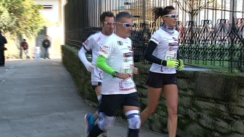 Maratoi solidarioa egin dute Gernikako Arbolaren inguruan