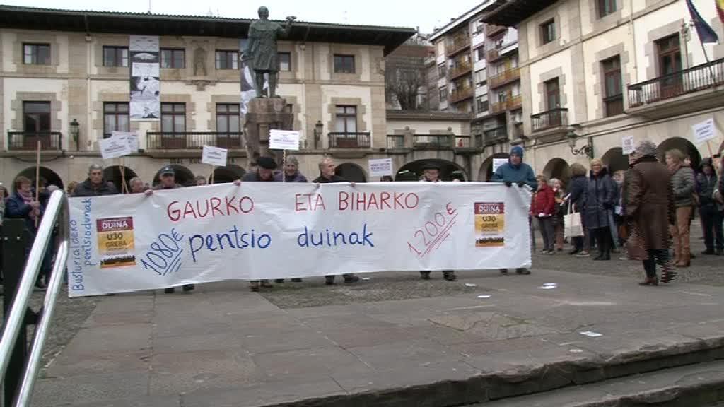 Pentsiodunen mugimenduak manifestazioa egin du urtarrilaren 30erako greba deituz