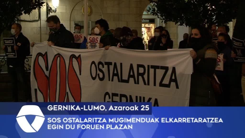 SOS Ostalaritza mugimenduak elkarretaratzea egin du Foruen Plazan