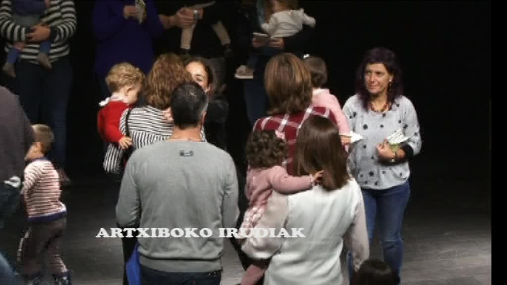 HAUR JAIOBERRIEN LIBURUA BANATZEN DABIL BERMEOKO UDALA