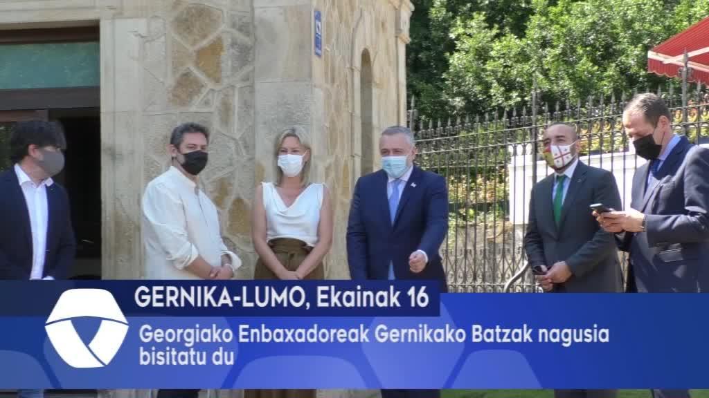 Georgiako enbaxadoreak Gernikako Batzak nagusia bisitatu du