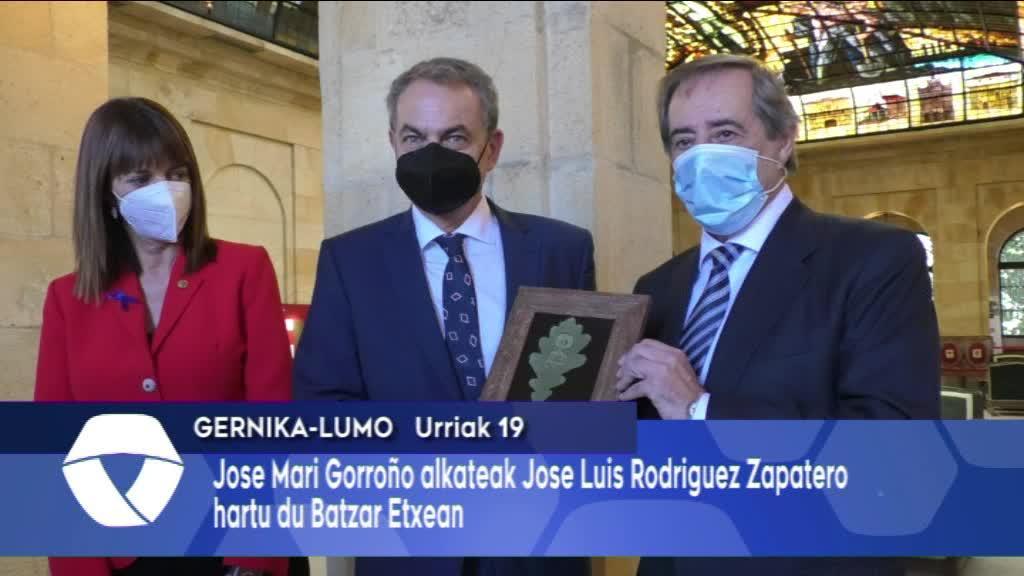 Jose Mari Gorroño alkateak Zapatero hartu du Batzar Etxean