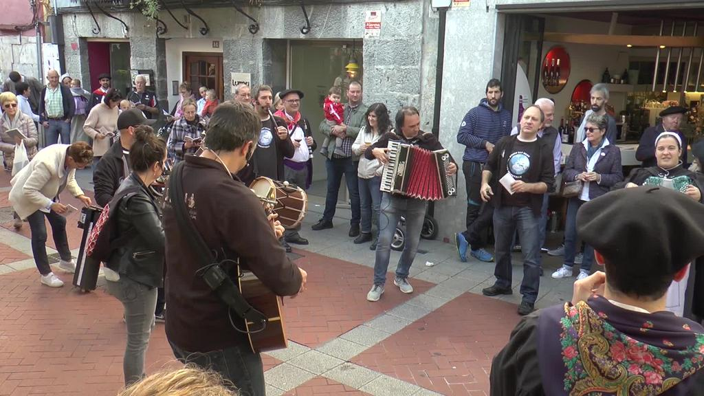 Musika, dantza eta beste hainbat ekintzek osatu  zuten III. Euskal Jaia