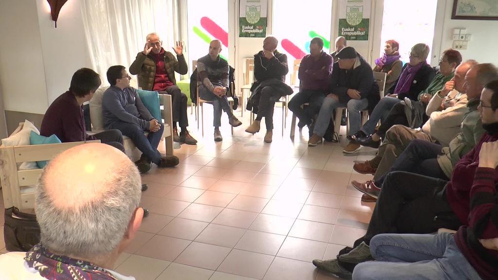 Europako hauteskundeetarako EH Bilduren hautagaia  aukeratzeko bozketa presentziala egin dute