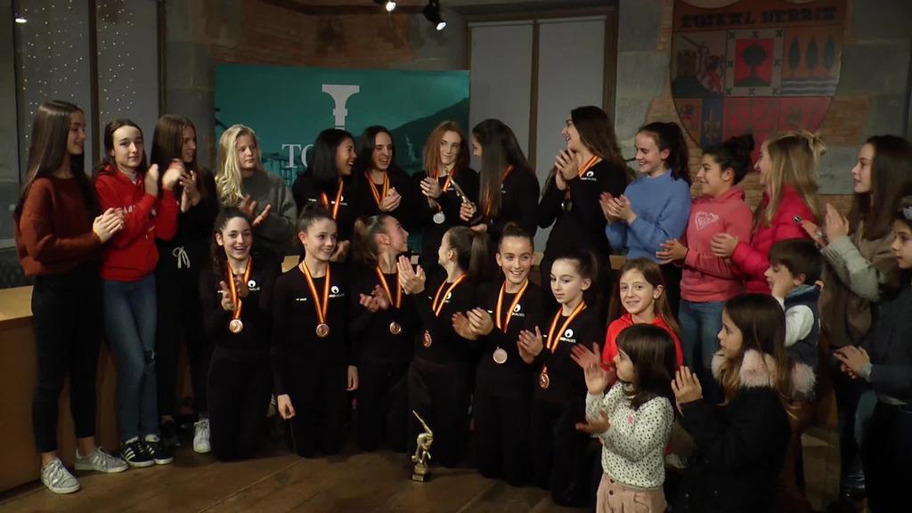 Hiru domina eskuratu dituzte Espainiako Txapelketan Tolosa C.F. taldeko gimnastek
