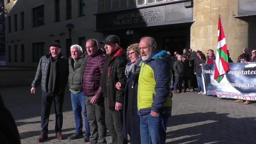 Frankismo garaian torturak jasan zituzten sei  pertsonak salaketa jarri dute Tolosako epaitegian