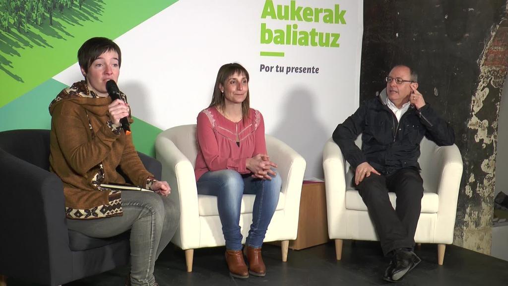 Beatriz Unzuek eta Juan Carlos Izagirrek beraien hautagaitzak aurkeztu zituzten