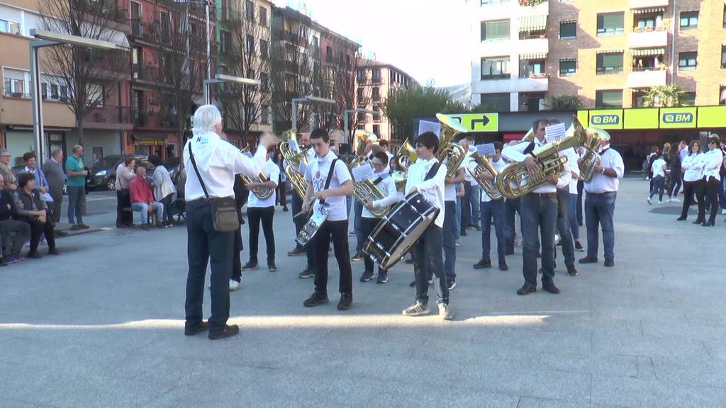 Tolosa, Amasa-Villabona eta Orioko bandek kaleak  musikatu zituzten