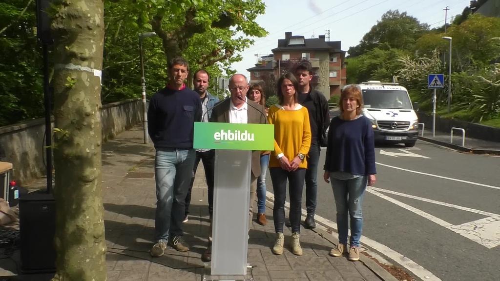 Pertsonak erdigunean izango dituen osasun kudeaketaren alde konprometitu da EH Bildu