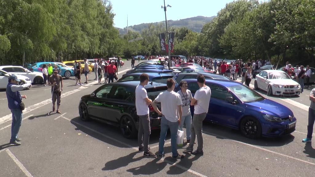 Super H elkarteari lagundu dio aurtengo 434 auto topaketa solidarioak