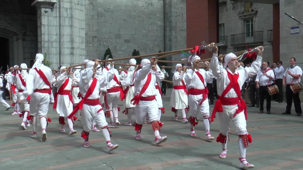 40. urtez jarraian egin dute Bordon Dantza San Joan  egunean