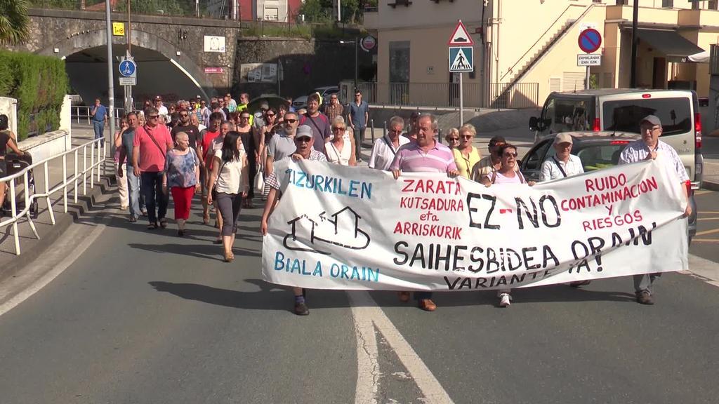 Saihesbidearen aldeko manifestazioa egin dute Zizurkilen