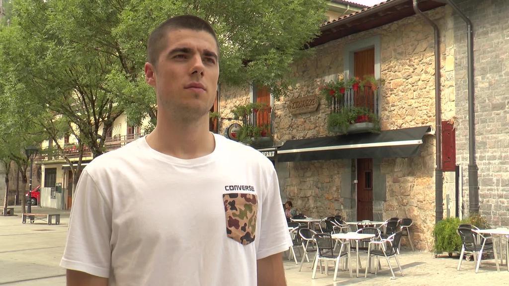 """Coruñako Leyma Basquet taldean jokatzeko erronka """"gogo handiz"""" hartu du Gaizka Maizak"""