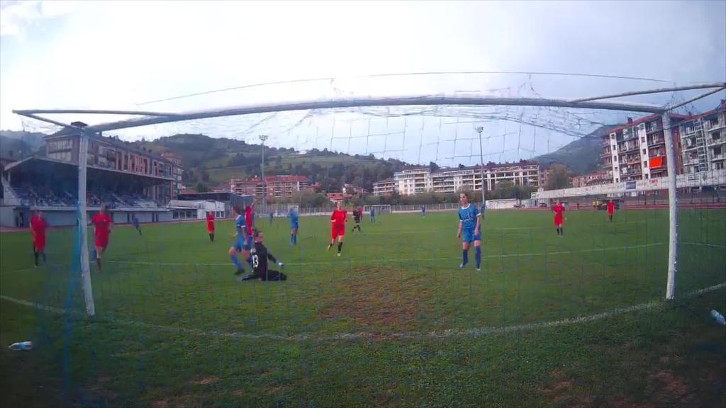 Tolosa CF-ko neskek poltsikoan dituzte lehenengo  hiru puntuak