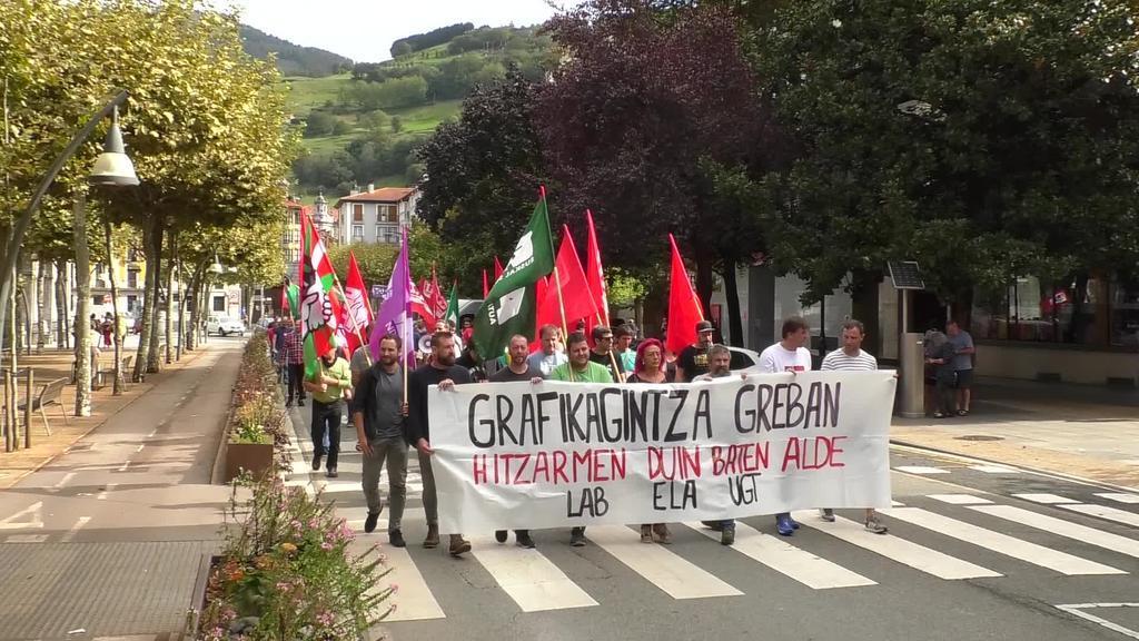 """""""Grafikagintza greban hitzarmen duin baten alde"""" lelopean, manifestazioa"""