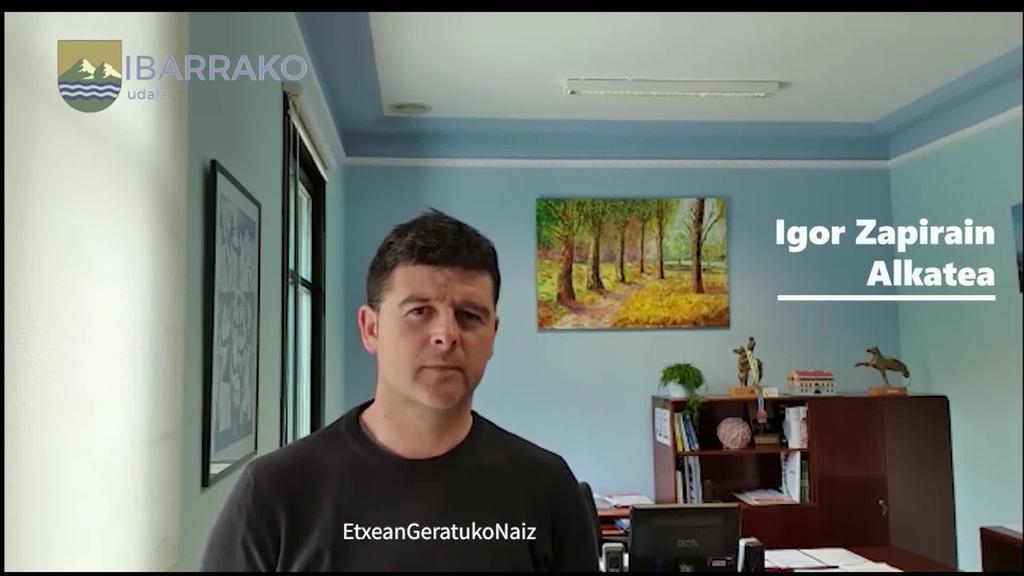 Igor Zapirain Ibarrako alkatea, herritarrei zuzendu  zaie