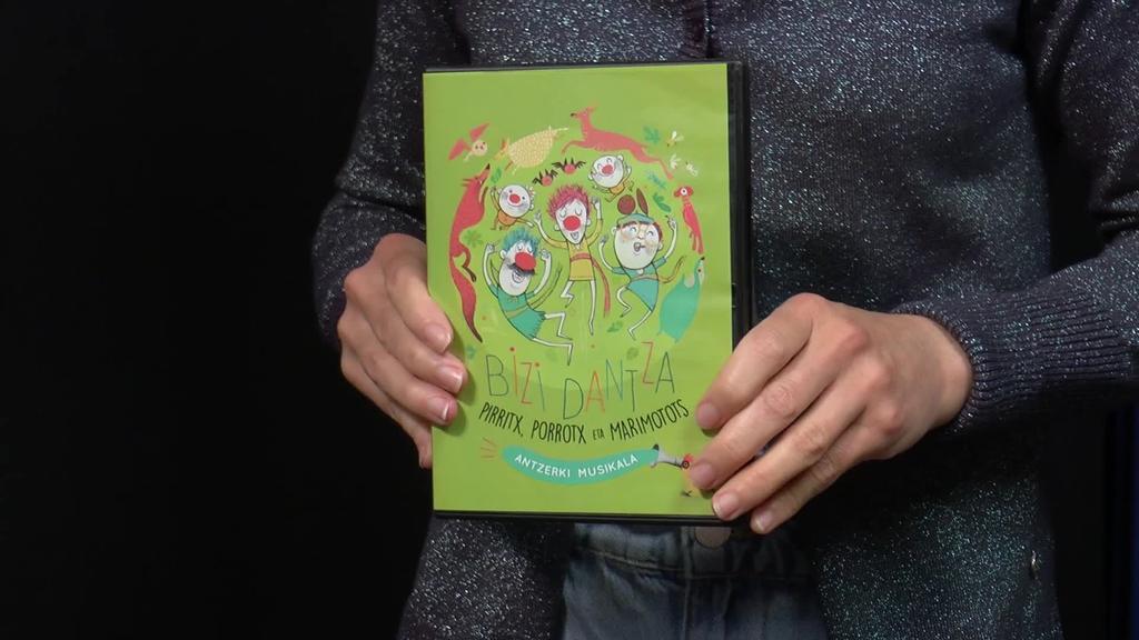 Bizi Dantza ikuskizunaren DVD-a aurkeztu berri dute Pirritx, Porrotx eta Marimototsek