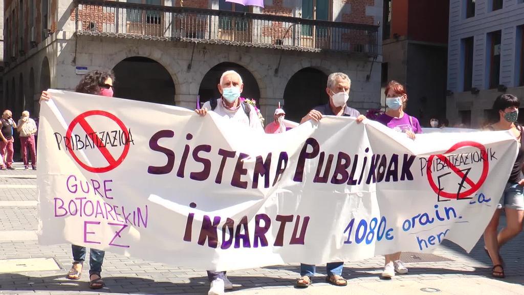 Tolosaldeko eragile ezberdinak zerbitzu publikoen alde manifestatu dira