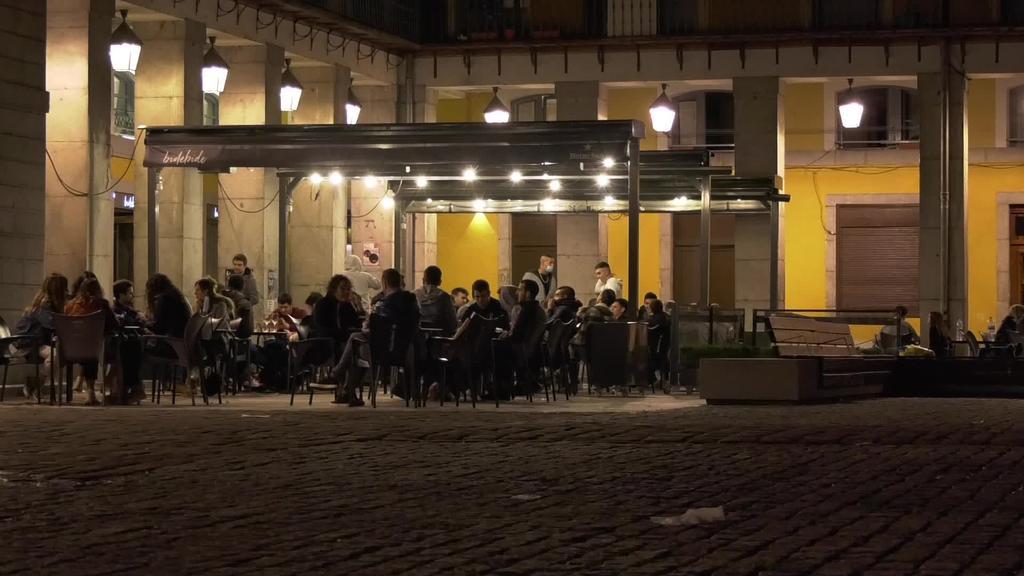 Gaueko 21:00etan itxi ziren tabernak Tolosan neurri berrien ondorioz