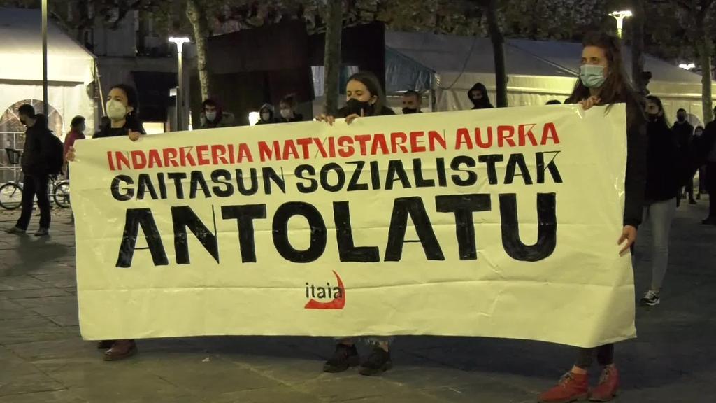 """""""Indarkeria matxistaren aurka, gaitasun sozialistak antolatu"""" lelopean Itaia taldeak kontzentrazioa burutu du"""