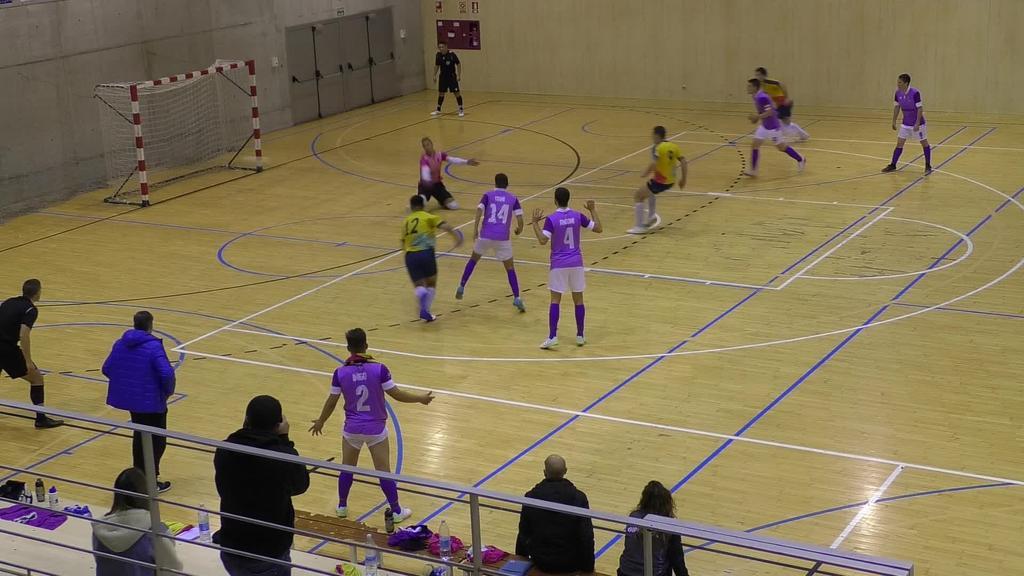 Azkeneko segunduetan sartutako gol batekin lortu zuen Laskorainek 3-3ko emaitza Laubururen aurka